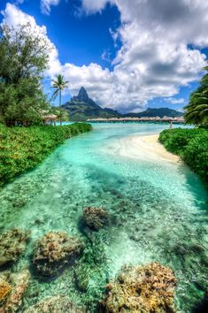 View on the Mt. Otemanu, Leeward Islands, Bora Bora