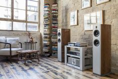 Burmester Classic Line with 061 CD Player, 032 Integrated Amplifier and BA31 Loudspeakers.