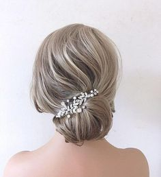 This Pin was discovered by Bridal Star wedding hair accessories. Discover (and save!) your own Pins on Pinterest. Bridal Side Hair, Bridal Hair Down, Wedding Hair Clips, Wedding Hair Pieces, Wedding Hair Down, Wedding Hairstyles For Long Hair, Bridal Hairstyles, Star Wedding, Wedding Makeup
