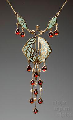 Art Nouveau gold necklace, after Museum of Decorative Arts Prague, Czech R. - Art Nouveau gold necklace, after Museum of Decorative Arts Prague, Czech Republic (hva) - Bijoux Art Nouveau, Art Nouveau Jewelry, Jewelry Art, Antique Jewelry, Vintage Jewelry, Fine Jewelry, Jewelry Necklaces, Jewelry Design, Jewelry Making