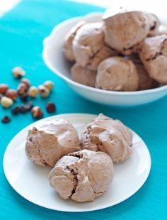 Skinny Hazelnut Latte Chocolate Meringue Cookies. Like eating a cloud!