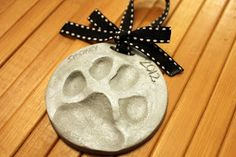 homevolution: Dog {and cat?} paw print ornaments