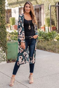 May 2019 - Green Floral Print Chiffon Long Maternity Kimono Floral Cardigan Outfit, Long Kimono Outfit, Long Floral Kimono, Style Kimono, Mode Kimono, Cardigan Outfits, Dress Outfits, Casual Outfits, Fashion Outfits