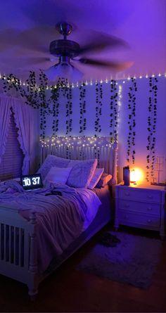 Neon Bedroom, Room Design Bedroom, Room Ideas Bedroom, Cool Bedroom Ideas, Bedroom Kids, Bedroom Inspo, Student Bedroom, Master Bedroom, Gothic Bedroom