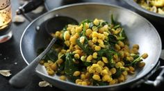 Dal saag A really simple, but really good daal recipe. Make a big batch and freeze any leftovers. Curry Recipes, Vegan Recipes, Cooking Recipes, Quick Recipes, Cake Recipes, Recipes With Naan Bread, Daal, Indian Food Recipes, Kitchens