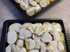 Sütőben sült hagymás krumpli sok sajttal: krémes és pikáns recept lépés 7 foto Griddle Pan, Feta, Dairy, Cheese, Recipes, Grill Pan, Recipies, Ripped Recipes, Cooking Recipes