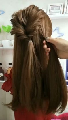Creative hairstyles for girls and women. Nice Women's Hair Styles Creative hairstyles for girls … Creative Hairstyles, Diy Hairstyles, Pretty Hairstyles, Easy Wedding Hairstyles, Simple Braided Hairstyles, Simple Hairstyles For Long Hair, Relaxed Hairstyles, Cool Hairstyles For Girls, Woman Hairstyles