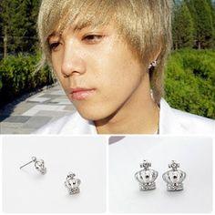 [FTISLAND Style] Two Crown Earring(Hong-ki)  Price: $6.00 on Kstargoods.com (The best kpop shop)