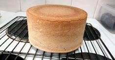 0,7 Kakkupohja – täydellisen kakkupohjan ohje Pie Recipes, Cooking Recipes, Pretty Cakes, Cornbread, Vanilla Cake, Fondant, Sweet Tooth, Sweet Treats, Food And Drink