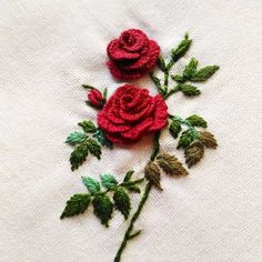 Hand Embroidery Patterns Flowers, Hand Embroidery Videos, Embroidery Flowers Pattern, Hand Embroidery Designs, Creative Embroidery, Simple Embroidery, Rose Embroidery, Embroidery Kits, Embroidery Fabric