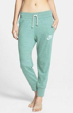 Nike  Gym Vintage  Capri Pants Sportovní Obuv Nike 43a0443980