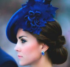 The depth of royal blue Prince William And Kate, William Kate, Princesa Kate Middleton, Herzogin Von Cambridge, Kate And Meghan, British Royal Families, Kate Middleton Style, Kate Middleton Hats, Princesa Diana