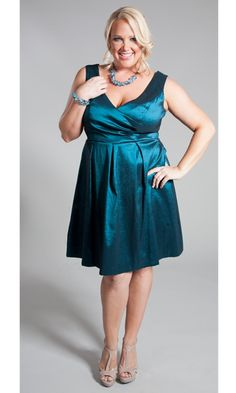 We've designed our plus size Dahila Dress to flatter all body types! Play up your natural assets and skim over potential problem areas with this fashionable piece.
