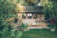 Lyons La Foret, Outdoor Furniture Sets, Outdoor Decor, City Break, Beautiful Space, Places To Visit, Coups, Cabin, Travel