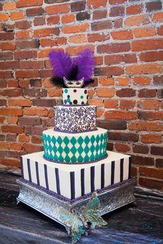 Mardi Gras Wedding Cake   Masquerade Theme - mazelmoments.com   Keywords: #mardigrasthemedweddings #jevelweddingplanning Follow Us: www.jevelweddingplanning.com  www.facebook.com/jevelweddingplanning/