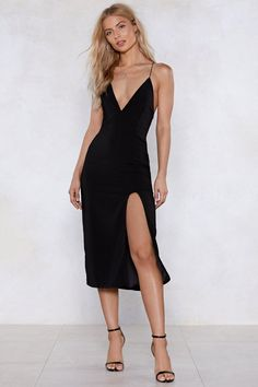 Shop a casual look or get ready to party with our range of womens dresses from maxi & midi dresses to smokin' hot bandage dresses. Backless Maxi Dresses, White Maxi Dresses, Nice Dresses, Casual Dresses, Ladies Dresses, Dresses Dresses, Black Midi Dress Outfit, Bandage Dresses, Casual Outfits