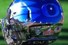 Dont like Oregon but love the Helmet #Nike