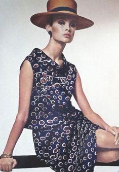 Fashion Images, Fashion Photo, Fashion Models, 1960s Fashion, Vintage Fashion, David Bailey Photography, Jean Shrimpton, English Fashion, Vogue Uk