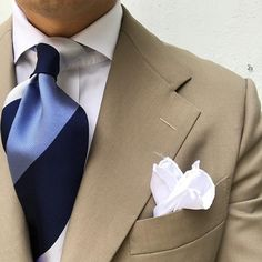Thursday ootd. #men #menstyle #menswear #mensfashion #napoli #sprezzatuza #mensclothing #bespoke #dandy #gentleman #mensaccessories #mensstyle #tailor #milano #fashion #menwithclass #italy #style #styleformen #wiwt #suit #dapper #menwithstyle #ootd #daily #moda #stile #elegance #classy #mnswr