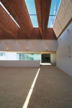 ch+qs Villa Del Prado, Gym Architecture, Roof Ceiling, Brick Facade, Stairs, Ceilings, Building, Warehouse, Outdoor Decor