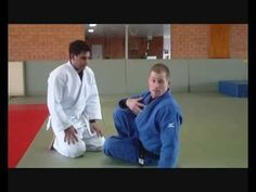 ▶ Flavio Cantos Strangle - very very sneaky technique - YouTube