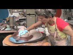 Susanne Stephenson, how she works & slips Pottery Tools, Raku Pottery, Pottery Wheel, Clay Studio, Ceramic Studio, Ceramic Clay, Ceramic Techniques, Pottery Techniques, Pottery Videos