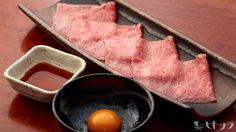 よろにく - 料理写真:甘めのタレ、卵黄と絡めていただく『ザブトンのすき焼き』