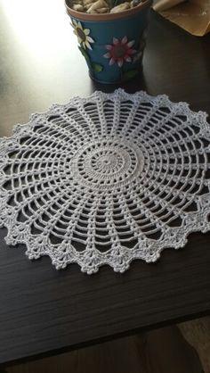 Crochet Pillow Patterns Part 11 - Beautiful Crochet Patterns and Knitting Patterns Crochet Pillow Pattern, Crochet Doily Patterns, Crochet Mandala, Filet Crochet, Crochet Motif, Crochet Designs, Crochet Doilies, Knit Crochet, Pillow Patterns