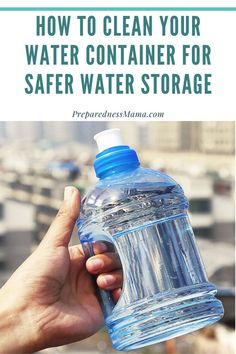 Storing water for emergency situations isn't as simple as filling up the tap and waiting for an emergency to strike. Water Containers, Food Storage Containers, Canning Recipes, Kitchen Recipes, Self Sufficient Homestead, Storing Water, Long Term Food Storage, Emergency Supplies, Dehydrated Food