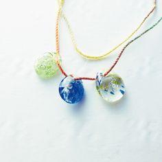 青い海の透明な一滴 琉球ガラスのお守り マースガラスチャーム Okinawa, Glass Art, Pendant Necklace, My Love, How To Make, Accessories, Jewelry, My Boo, Jewellery Making