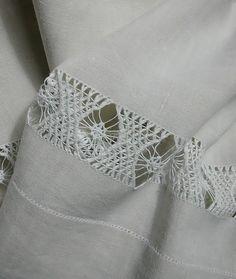 pulled thread border