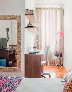 a home office near the bed #decor #escritorios