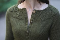 Gwenevere pattern by Jennifer Wood - trachtenjacke sitricken Cardigan Design, Cardigan Pattern, Sweater Knitting Patterns, Knitting Stitches, Knit Patterns, Knitting Needles, Jennifer Wood, Stockinette, Crochet Clothes