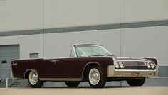 Pictures of Lincoln Continental Convertible 1962 Ford Motor Company, Lincoln Motor Company, Jaguar Convertible, Lincoln Convertible, Lincoln Continental, Retro Cars, Vintage Cars, Ford Lincoln Mercury, Roadster