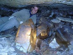The giant crystals were discovered in Swiss Alps by Franz von Arx and Elio Mulle; Photo © Rafael Cordoba