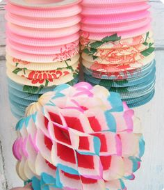 ♡Lampions Paper Decoration&Lanterns For A Party Vintage Mom, Shabby Vintage, Vintage Paper, Vintage Stuff, Honeycomb Paper, Chinese Lanterns, Vintage Birthday, Crepe Paper, Tissue Paper