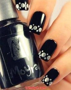 Silver Design Tipped Black Gloss Nails ?