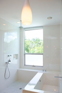Shower wet room and bath.