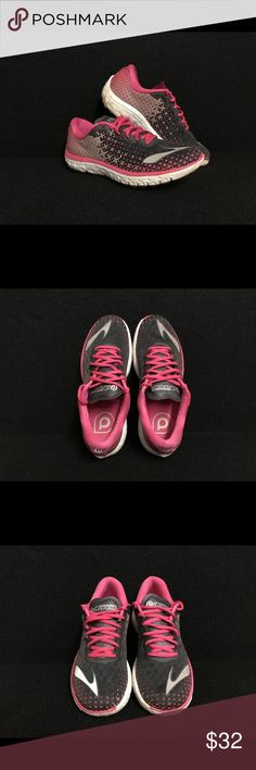 Brooks Pure Flow Women's 8.5 Excellent used condition! Smoke and pet free! No rips, tears, or odors! Brooks Shoes Athletic Shoes