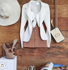 MigsPara TUDOOOOO nesse look Fofo.  Blazer de Neoprene voltou ao estoque. TAM : P M G Cores:  MigsPara TUDOOOOO nesse look Fofo.  Blazer de Neoprene voltou ao estoque. TAM : P M G Cores: Preto Off Top Nozinho TAM: único . . #modafeminina #fashionista #lifestylephotography #gratidao #blazer #neoprene #life #follow #top #moda #stylefashion #style #vendas Cute Date Outfits, Girly Outfits, Night Outfits, Chic Outfits, Pretty Outfits, Summer Outfits, Fashion Outfits, Womens Fashion, Fiesta Outfit