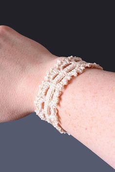 crochet bracelet pattern - Google Search - @Jen McNally Evans Griffin THIS is the one I saw earlier