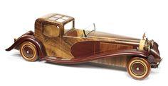 Rare modèle en bois de la Bugatti Royale « Coupé Napoléon », ((2))