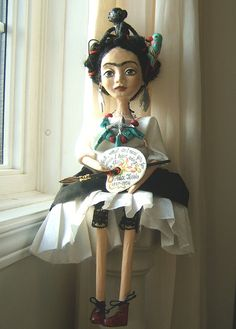 Articoli simili a Frida Kahlo - Black - White - Hand made Art Dolls PaperMache. su Etsy Frida Kahlo Black White Hand made Art di BarbaraCharacters Puppet Costume, Marionette Puppet, Doll Painting, New Dolls, Doll Repaint, Custom Dolls, Make Art, Doll Face, Famous Artists