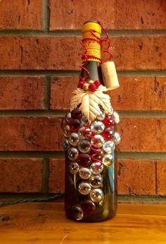 Beautiful Red and Gold Wine Bottle Light Night Light por booklooks