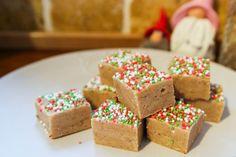 Pepparkaksfudge | Bambi Christmas Snacks, Christmas Candy, Candy Recipes, Truffles, Fudge, Bambi, Sweets, Chocolate, Baking