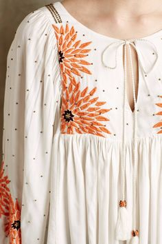 NIP Anthropologie Floreat Austral Peasant Blouse - Embroidered White - Medium M Kurta Designs, Blouse Designs, Bohemian Mode, Bohemian Style, Boho Chic, Creation Couture, Estilo Boho, Blouse Outfit, Peasant Blouse