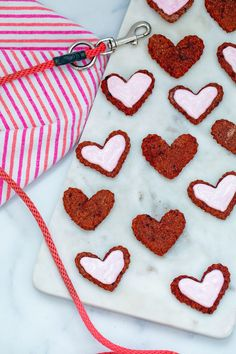 Lots of heart-shaped beet cookies for dogs, some frosted and some not, on marble platter with dog leash in background Valentine Status, Valentines Day Hearts, Be My Valentine, Love Beets, Fresh Beets, Natural Food Coloring, Pink Food Coloring, Dog Cookies, No Bake Cookies