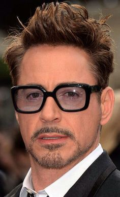 Superior Iron Man, Robert Downey Jnr, Robert Jr, Best Avenger, Robert Pattinson Twilight, Iron Man Art, Celebrity Sunglasses, Vintage Bra, Hollywood Men