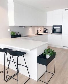 "Modern Kitchen Interior Modern Interior Inspiration ( ""Inspiration: So happy to share you ❤️ Love from ❤️ ______________…"" - Kitchen Room Design, Best Kitchen Designs, Home Decor Kitchen, Interior Design Kitchen, Home Design, Design Ideas, Kitchen Ideas, Kitchen Trends, Design Trends"