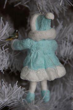"""Купить Ёлочная игрушка из ваты """"Девочка-Снегурочка с синичкой"""" - бирюзовый, девочка, снегурочка, птичка"""